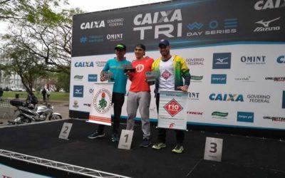 Jhonathan garante vaga no Brasileiro de triathlon