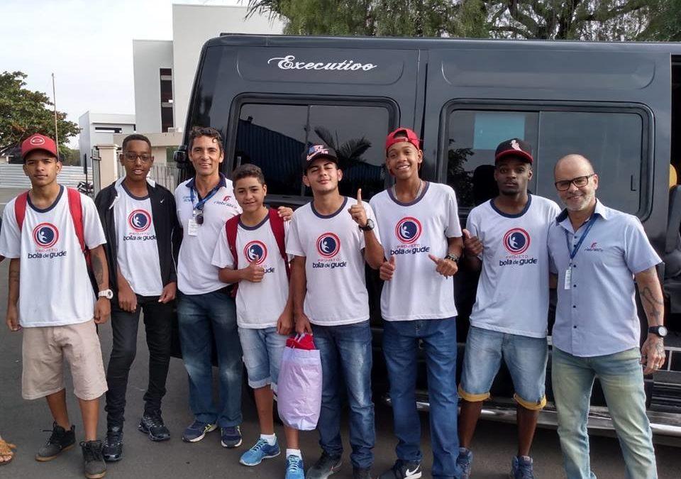 Alunos da fundação realizam testes no Minas Tênis Clube